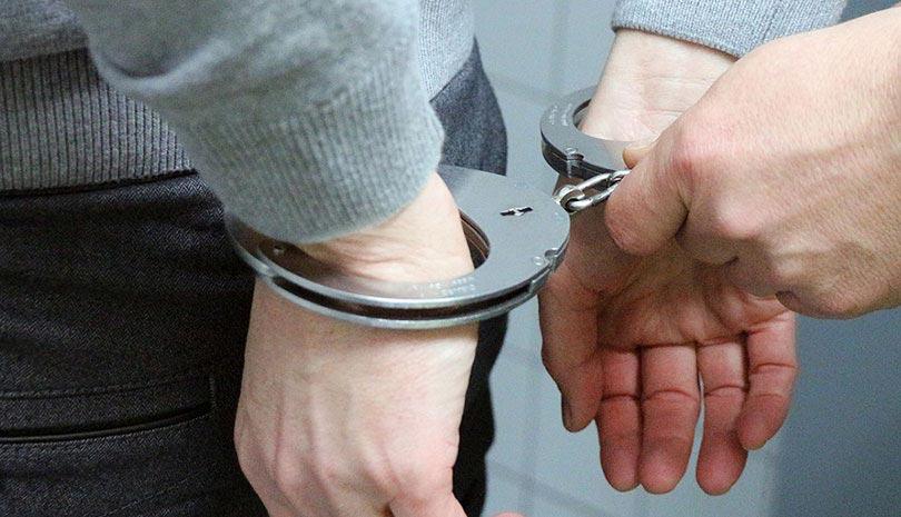 Δίωξη για απόπειρα ανθρωποκτονίας για τον ξυλοδαρμό του αστυνομικού