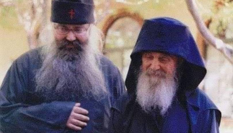 Ο Γέροντας Εφραίμ της Σκήτης του Αγίου Ανδρέα για το κάπνισμα
